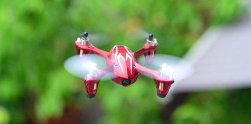x4-H107C-fliegend