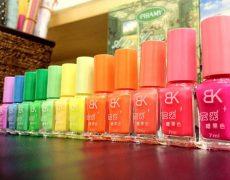 fluoreszierender-nagellack