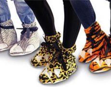 festival-feet-dino