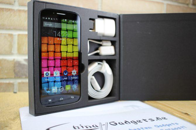 Wie bei UMI üblich, gibt es das Smartphone in einer schicken Verpackung