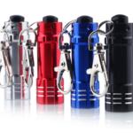 Winzige Taschenlampe für den Schlüsselbund (3x LR44) ab 1,15€