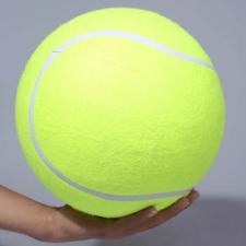 Riesiger Tennisball