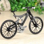 Modell-Fahrrad zum Zusammenbauen für 17,64€