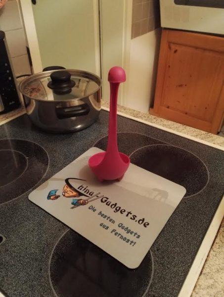 Nessie Suppenkelle in der Küche