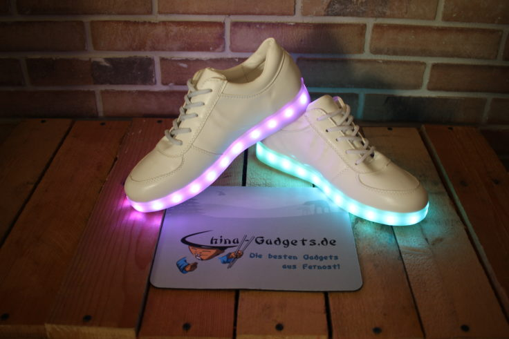 LED Sneaker in weiß