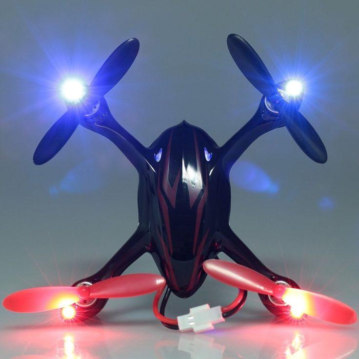 Hubsan X4 H107C mit LEDs