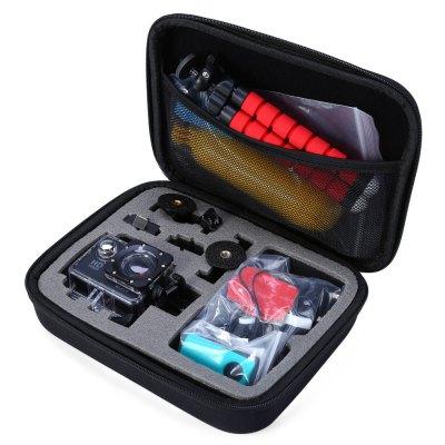 Geöffnetes Case mit Zubehör und Kamera im Inneren