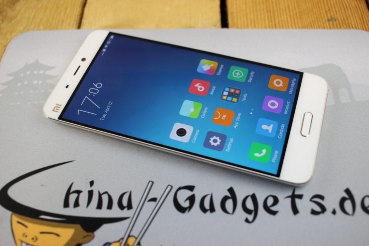 fast randloses Display vom Xiaomi Mi5
