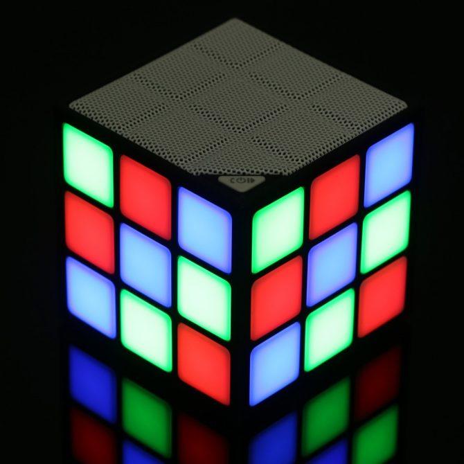 cube speaker (2)