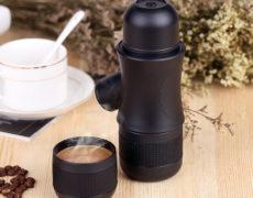 Honana Espressokocher und frisch gebrühte Tasse Espresso