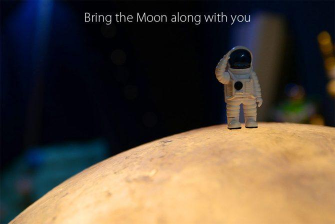 Tragbares Mondlich Astronaut auf Mond