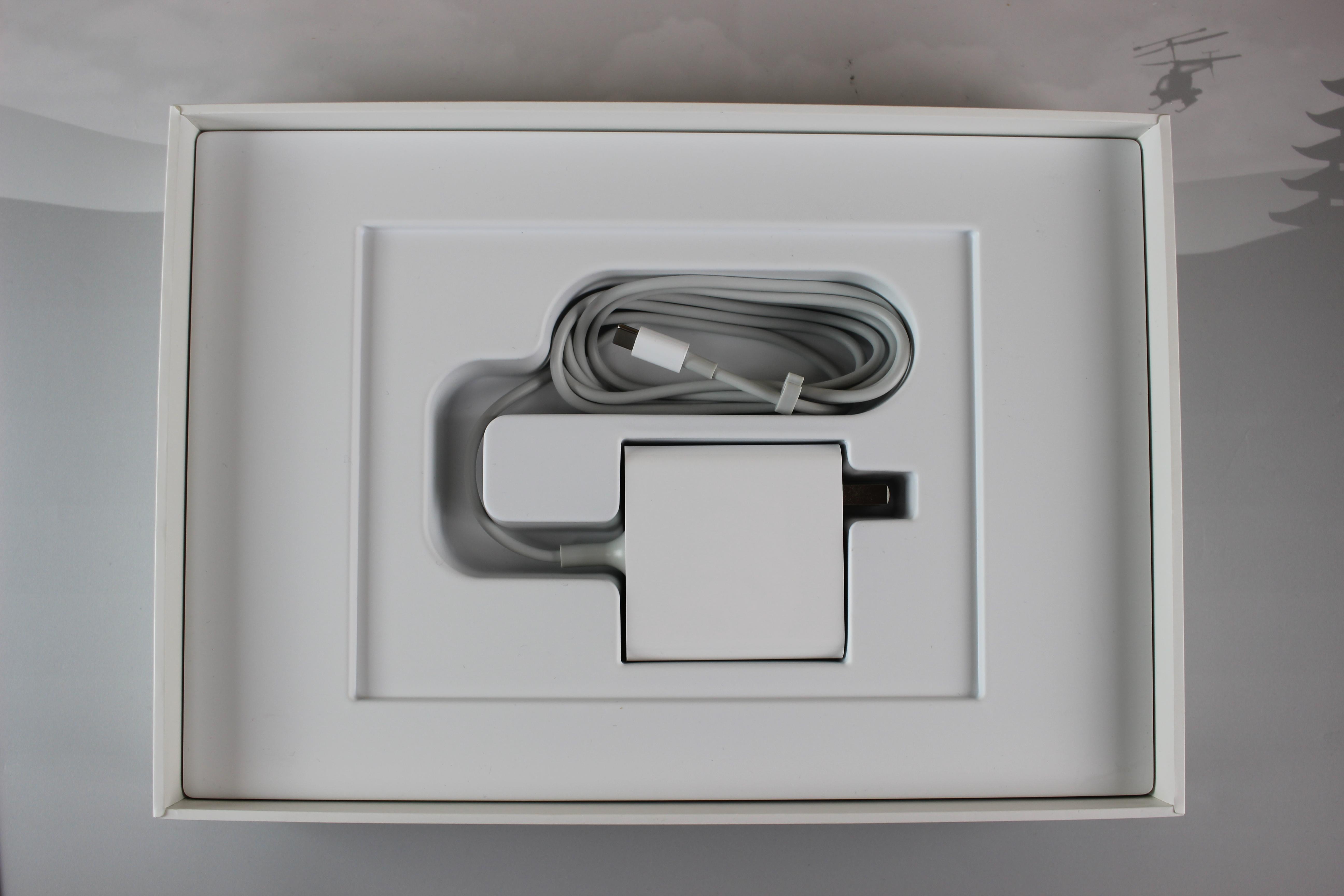 Xiaomi Mi Air Zubehör Das US Netzteil braucht noch einen Adapter