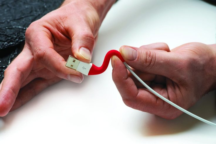 Formbarer Silikonkleber Sugru Kabelbruch