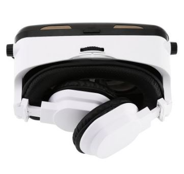 gepro-vr-with-earphones-3