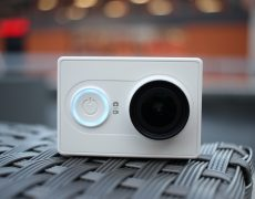 Unser Testmodell der Xiaomi Yi Actioncam in weiß