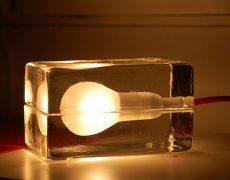 gluehbirne-glasquader-1