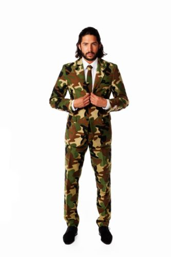 suit-camouflage