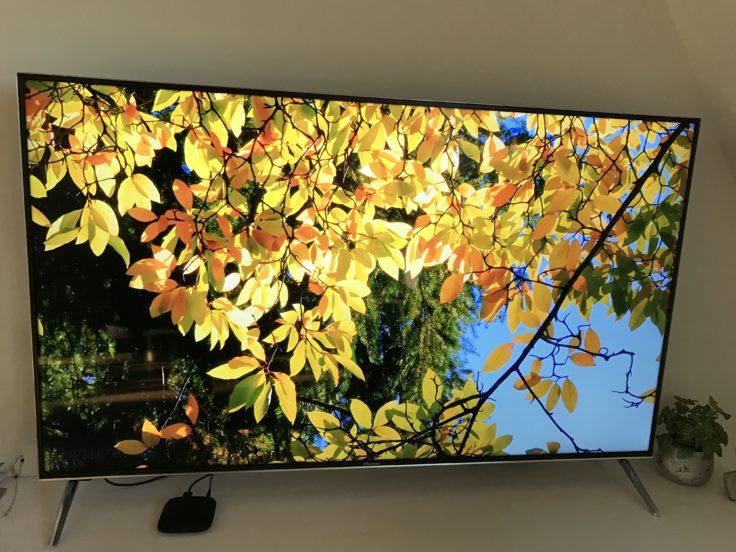 Xiaomi Mi TV Box verbunden mit Flatscreen