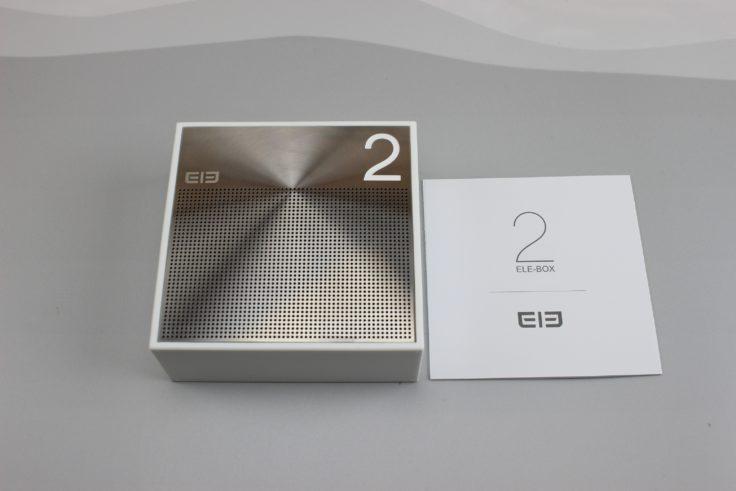 Der Lieferumfang der ELE BOX: Der Lautsprecher und eine Bedieungsanleitung