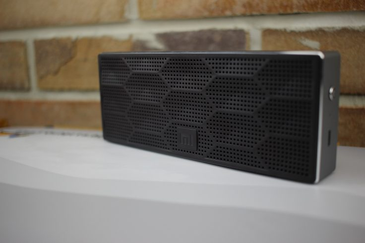 Wabenmuster der Xiaomi Soundbox