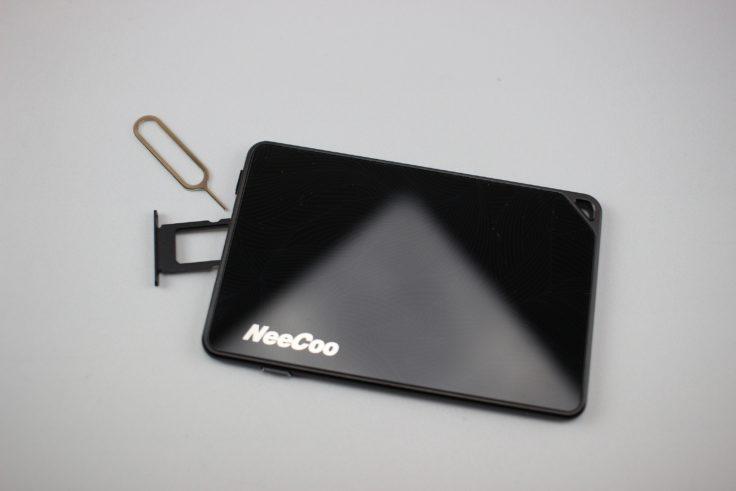 Der SIM-Karten Slot des NeeCoo Me 2 ähnelt dem eines Smartphone