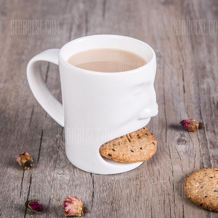 Kaffetasse mit Keksfach