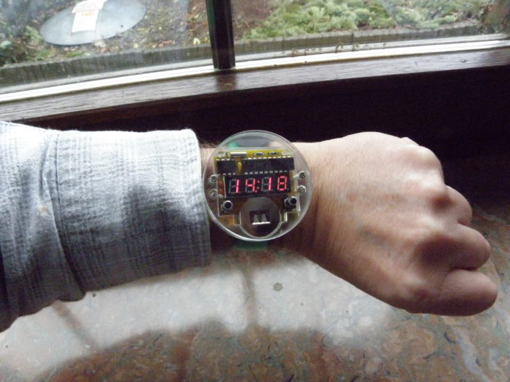 elektronische diy armbanduhr zum selber zusammenbauen f r 5 54. Black Bedroom Furniture Sets. Home Design Ideas
