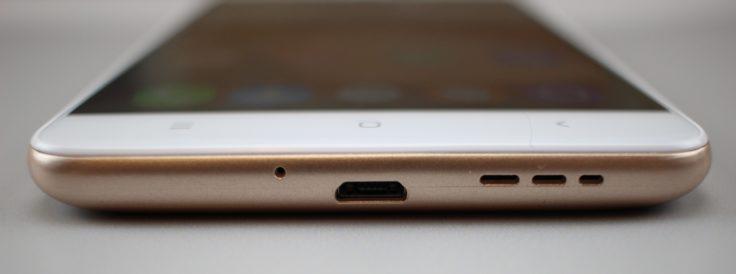 Oukitel U15 Pro Micro-USB-Anschluss