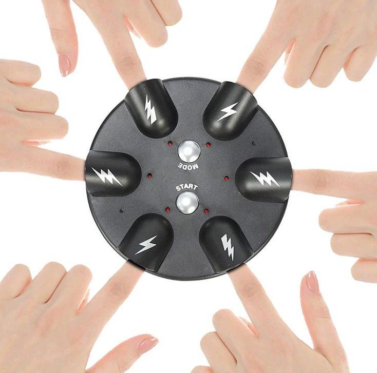 Elektro Shocking Roulette mit 6 Spielern benutzt.