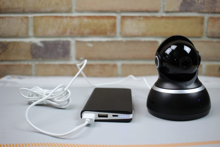 YI Dome Camera 1080p an Powerbank