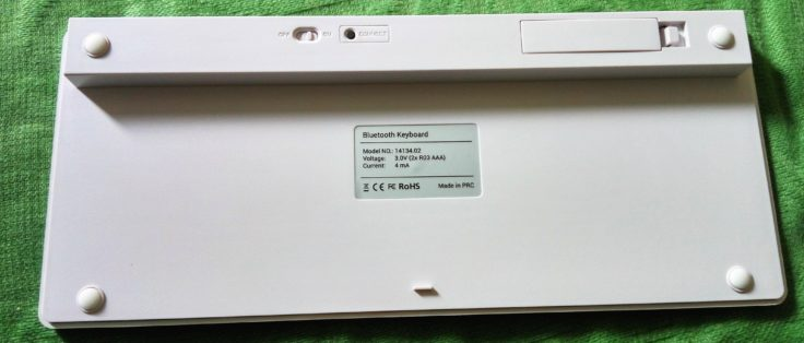 Bluetooth QWERTZ-Tastatur kwmobile Rückseite