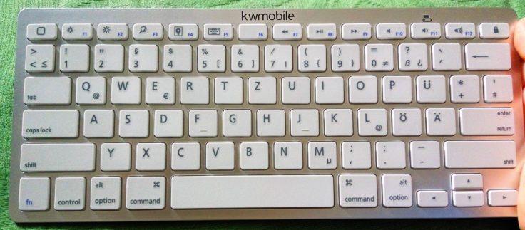 Bluetooth QWERTZ-Tastatur kwmobile Vorne
