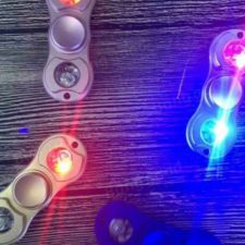 Leuchtende Fidget Spinner mit LEDs