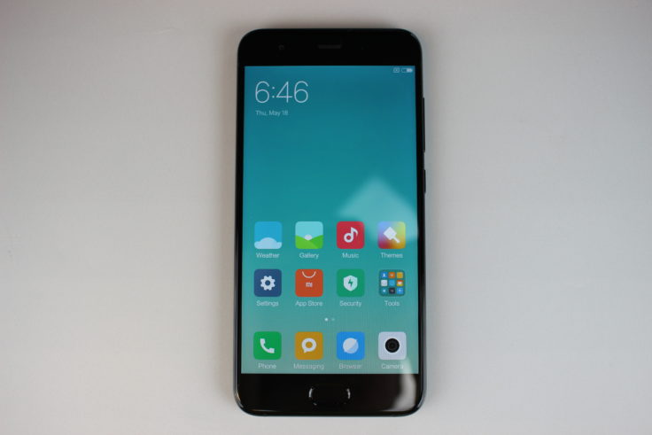 Xiaomi Mi 6 Smartphone Display