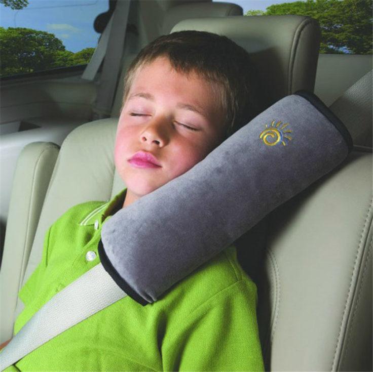 Autogurt Schulterpolster in Benutzung