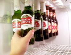 Magnetischer Bierhalter für den Kühlschrank