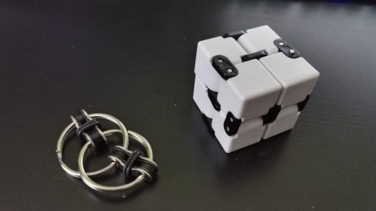Fidget Infinity Cube und Fidget Ring