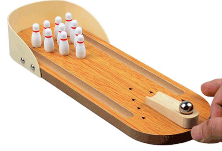 Mini-Bowlingbahn aus Holz