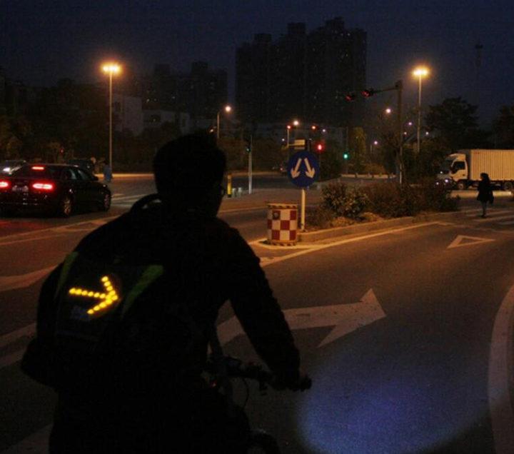 Blinker Aufsatz in Benutzung im Straßenverkehr