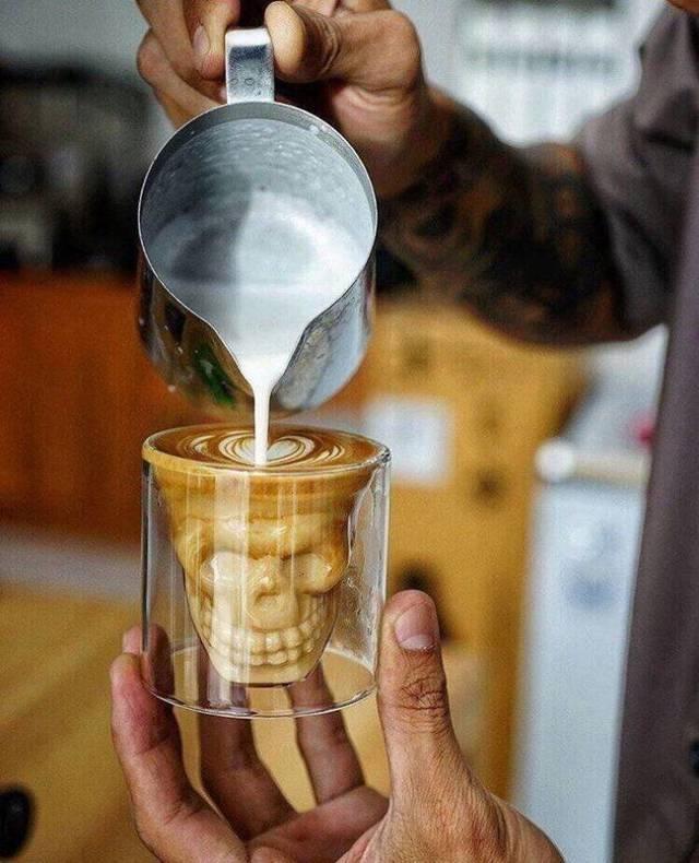 Totenkopf Schnapsglas Kaffee