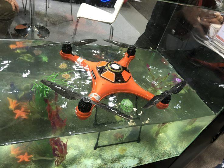 Schwimmfähige Drohne
