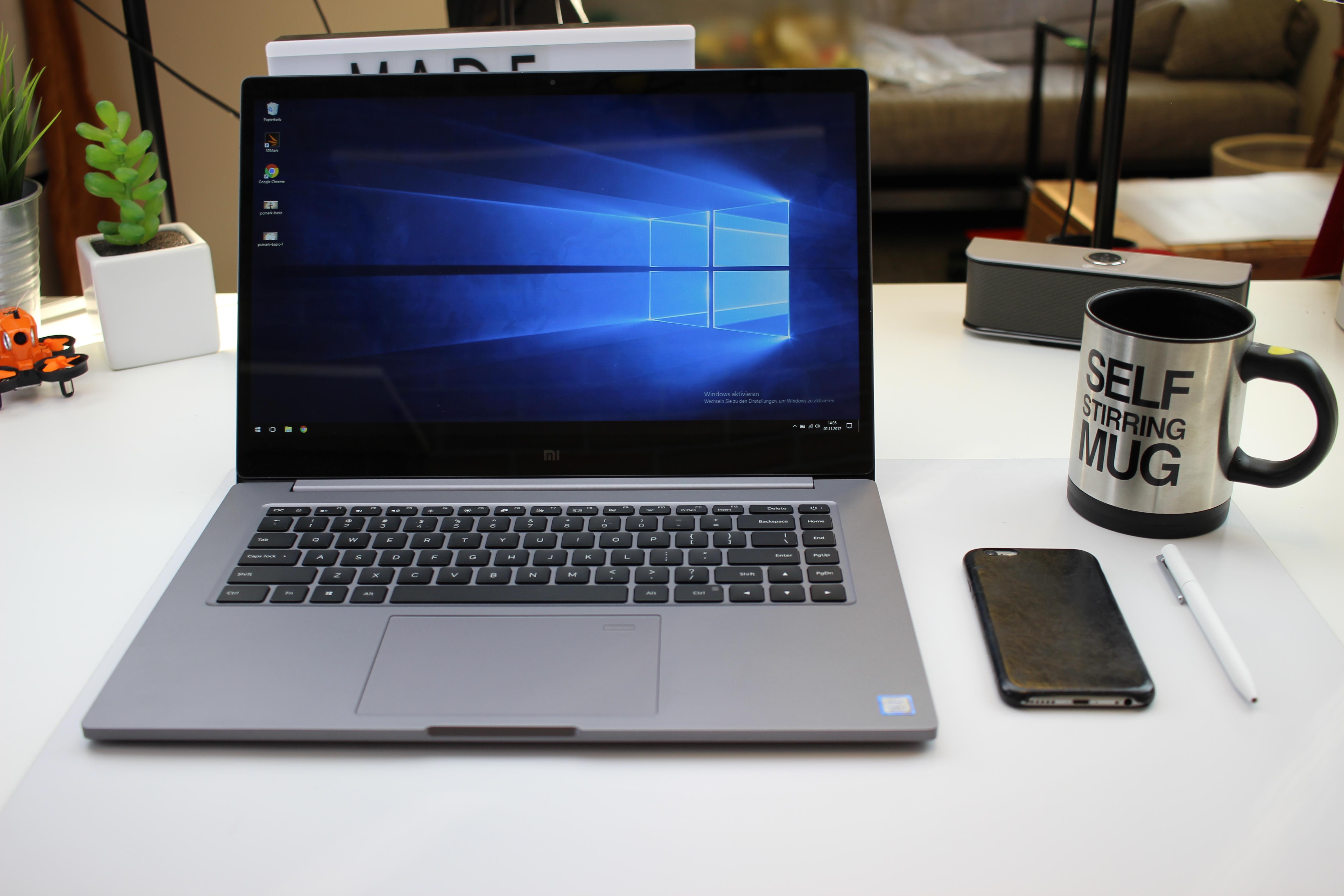 Xiaomi Mi Notebook Pro Schreibtisch