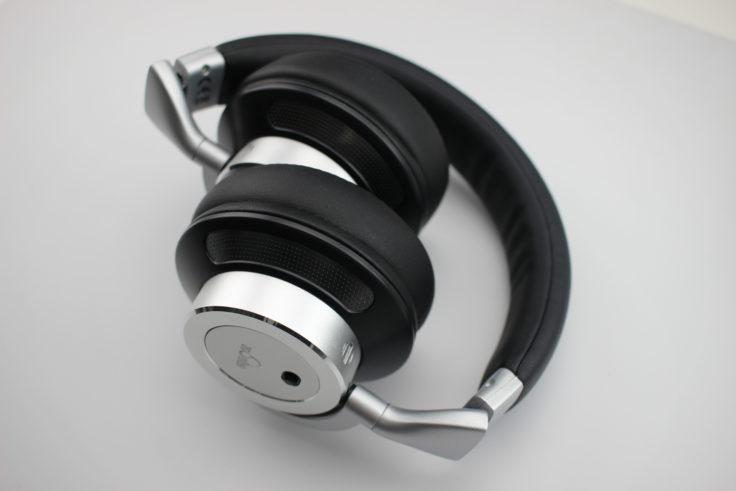 iDeaUSA AtomicX On-Ear Hörer eingeklappt