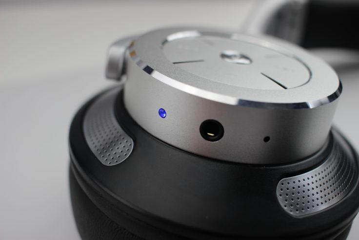 iDeaUSA AtomicX V200 ANC Headset und Klinkenanschluss