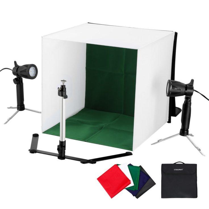Kleine Fotobox mit Scheinwerfern