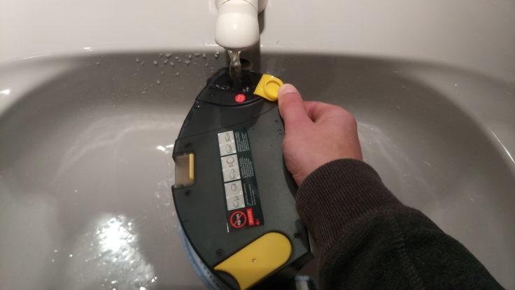 IMASS A3S Saugroboter Wassertank Befüllung