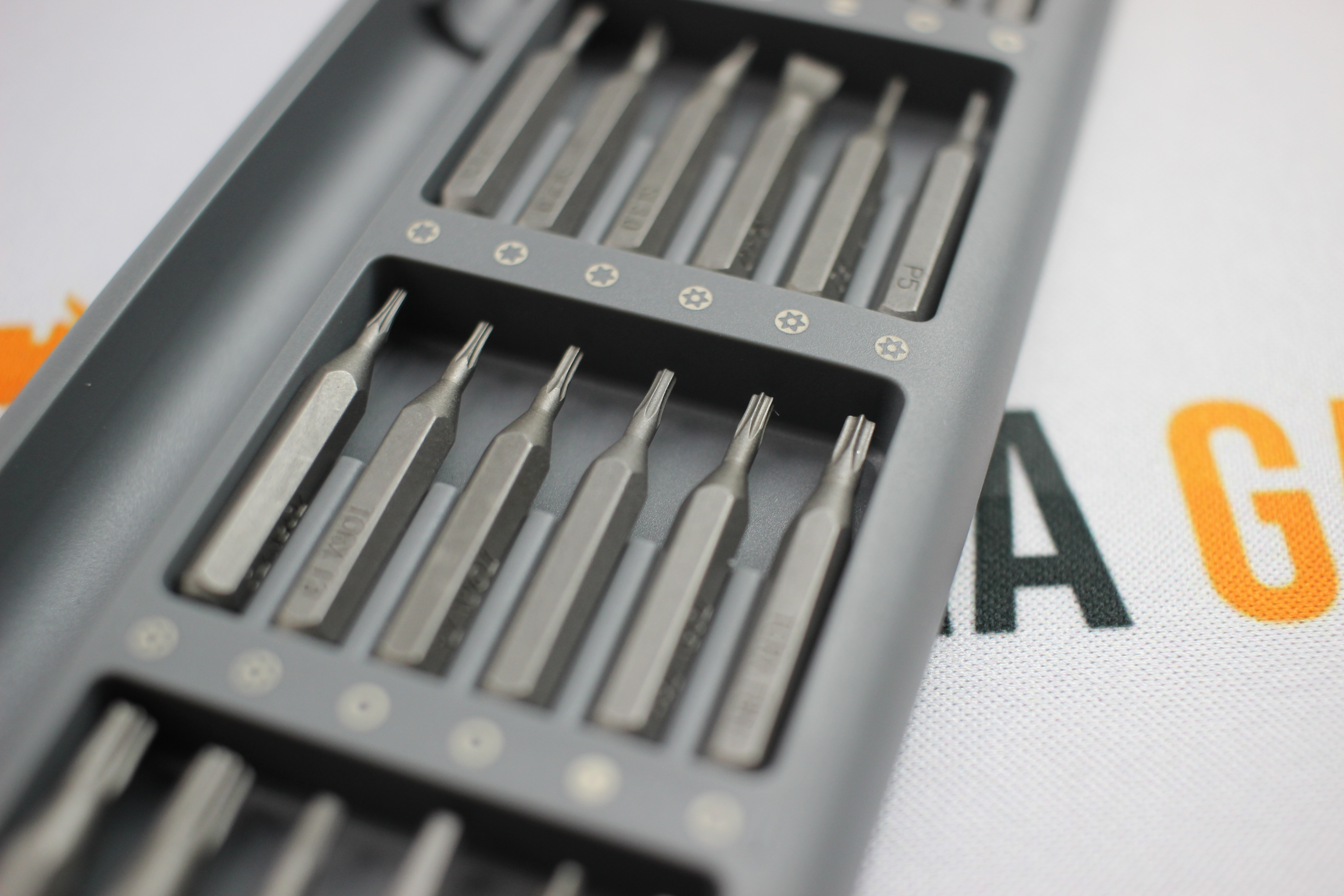 Xiaomi mijia wiha feinmechaniker schraubendreher set 24 for Wohnzimmer quatsch