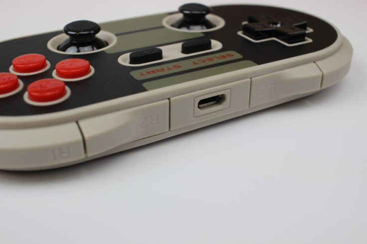 8Bitdo NES30 Pro Bluetooth Controller (3)