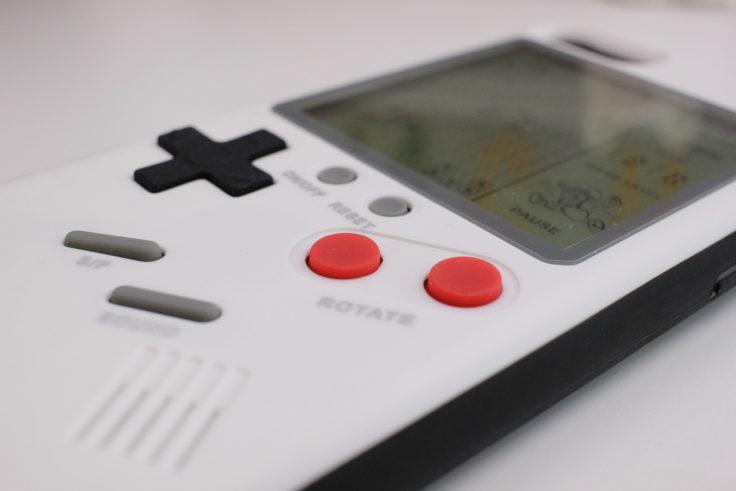 Gameboy Smartphone Case Knöpfe