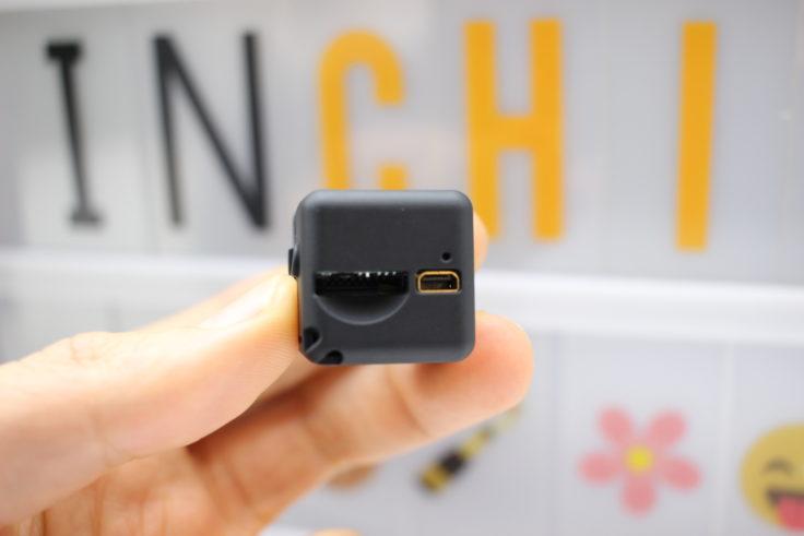 Quelima SQ 11 Mini Kamera USB Anschluss